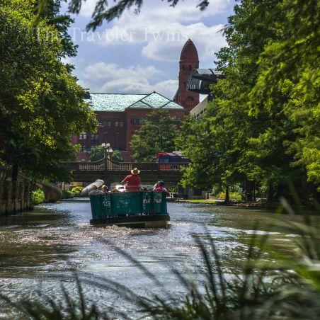 San-Antonio-Riverwalk-boat-ride