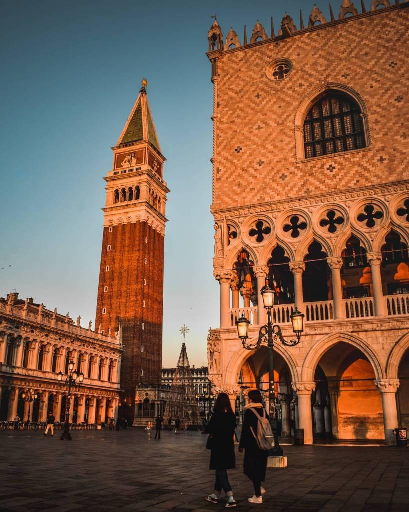 Sunrise-in-Venice