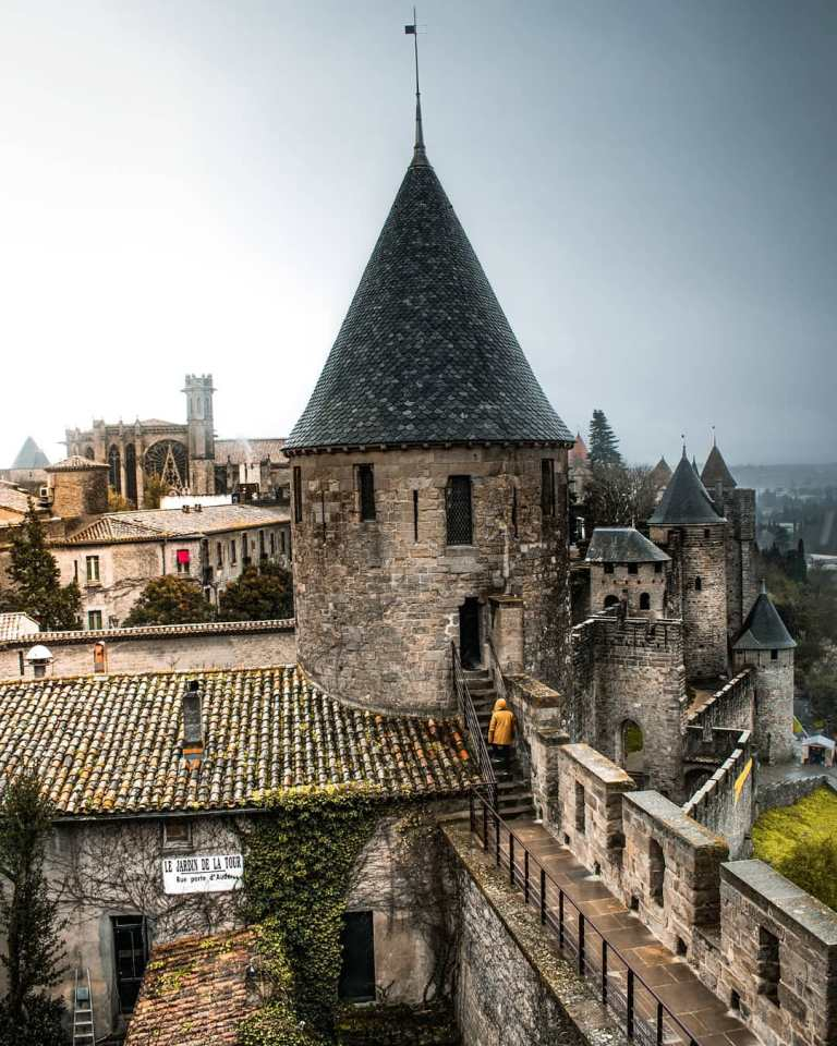 Famous-castles-in-France