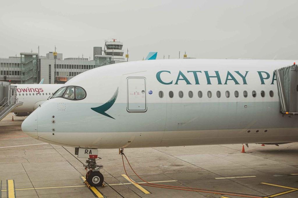 Cathay Pacifc Airbus A350-900 B-LRA Düsseldorf The Travel Happiness-5