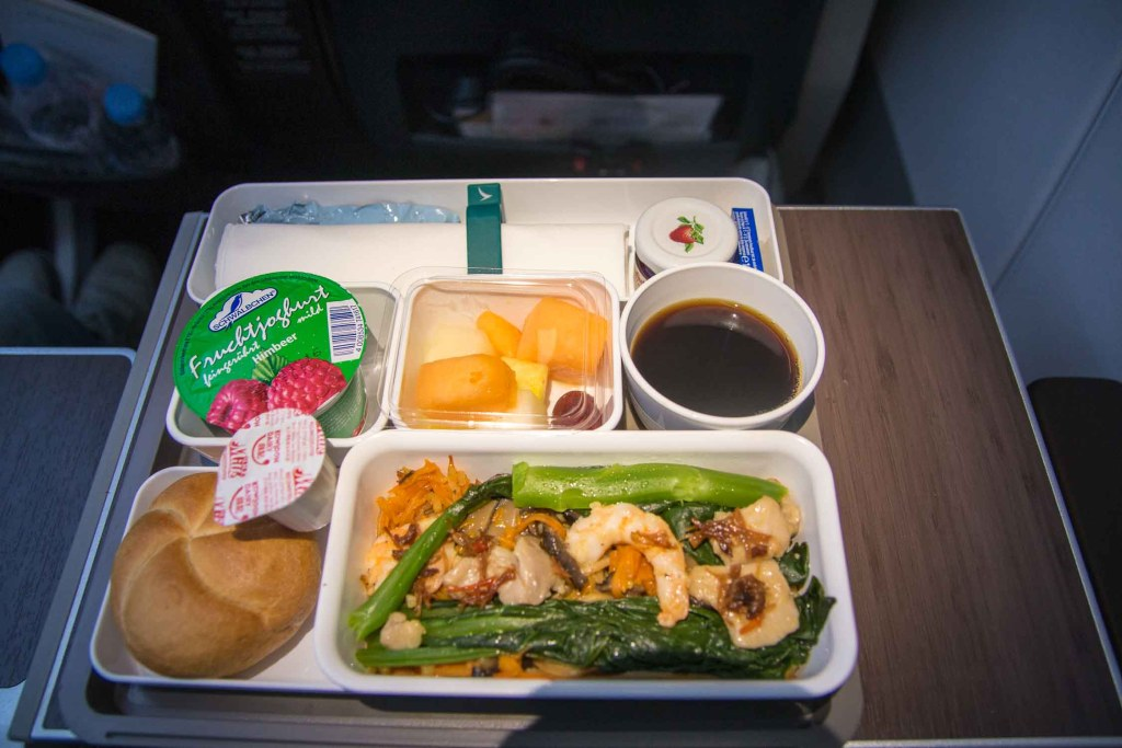 Cathay Pacifc Premium Economy Class Service Essen The Travel Happiness-3