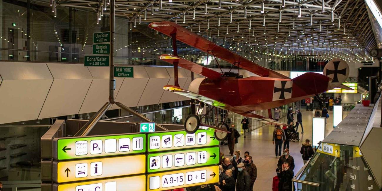 FLughafen Tegel TXL Terminal A Roter Baron