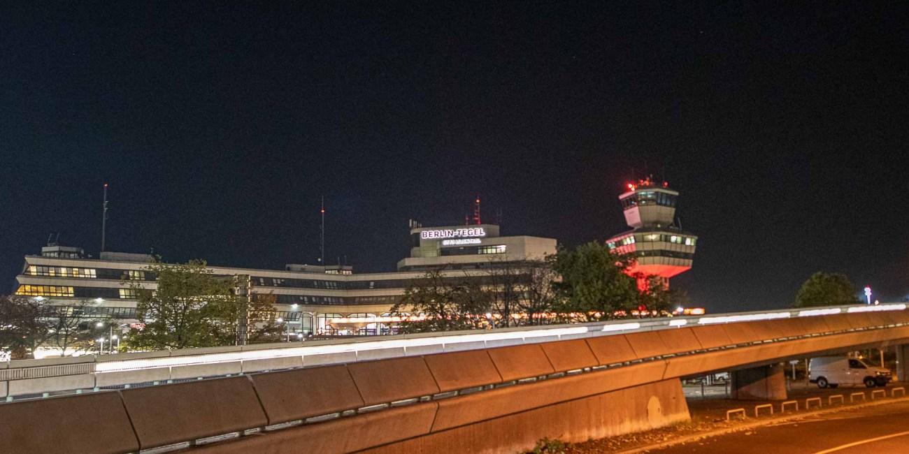 Flughafen Berlin Tegel bei Nacht-1