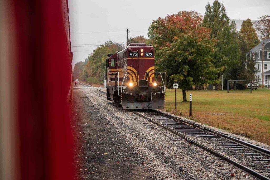 Indian Summer Roadtrip Conway Scenic Railroad-4