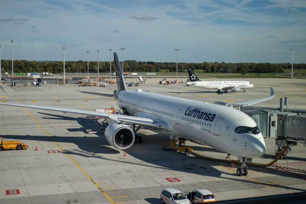 Lufthansa Airbus A350 D-AIXJ Taufname Erfurt