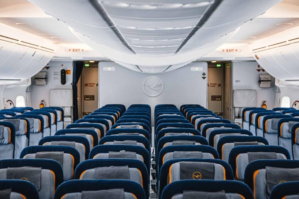 Lufthansa Boeing 747 Econom Class Kabine Strecken Routen