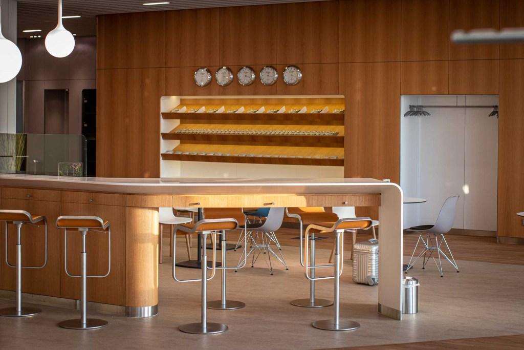 Lufthansa Lounge BER Business Senator Lounge Flughafen Berlin The Travel Happiness-4