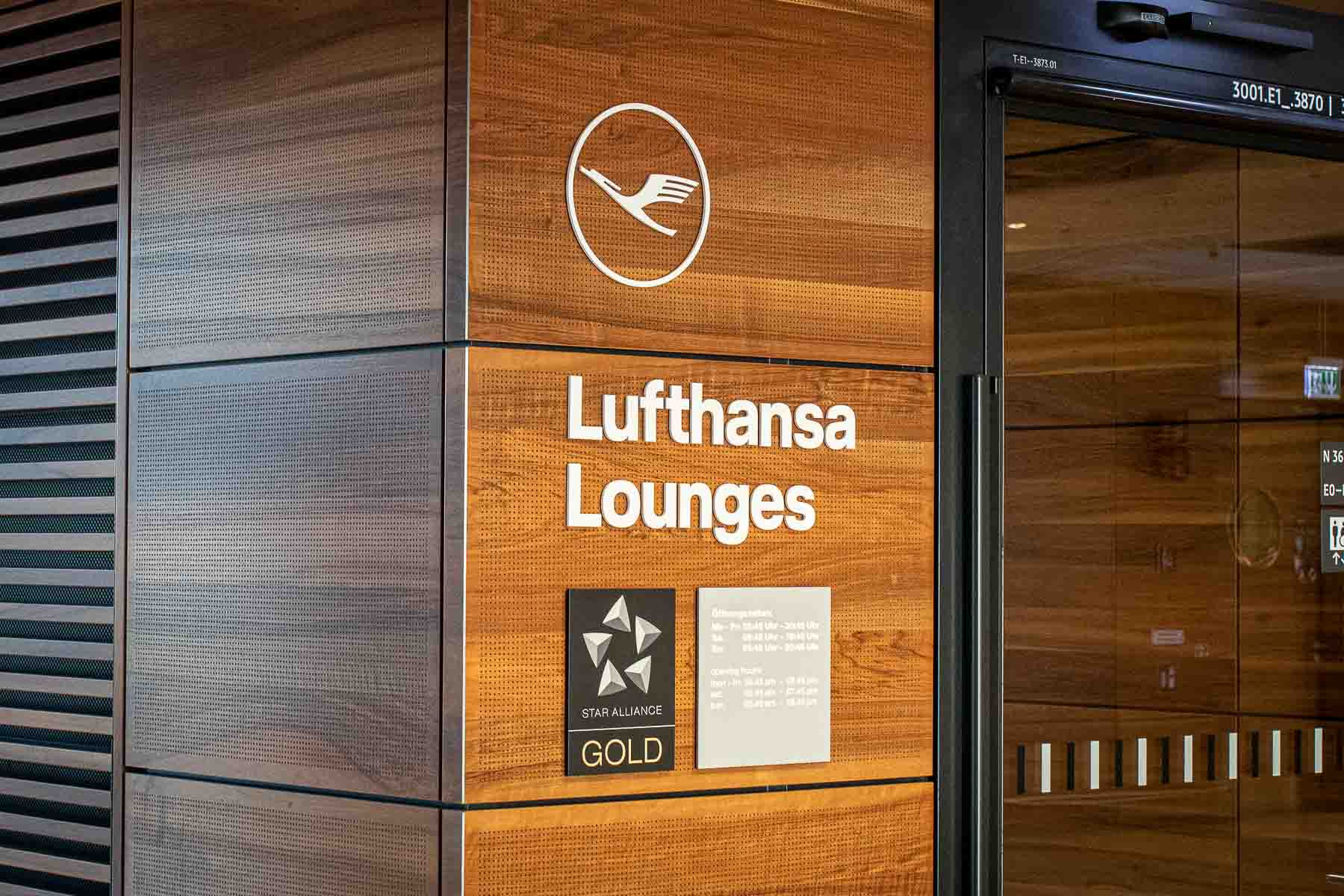 Lufthansa Lounge BER Business Senator Lounge Flughafen Berlin The Travel Happiness
