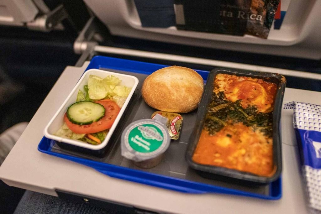 United Airlines Basic Economy Class Service und Mahlzeit-2