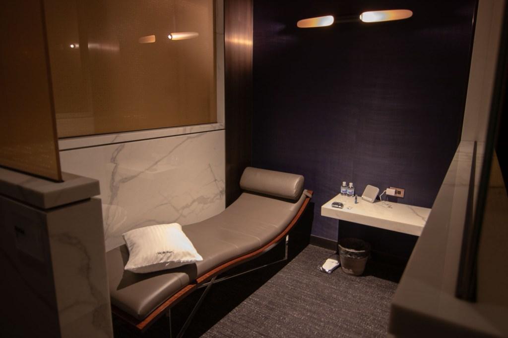 United Polaris Lounge Chicgao Annehmlichkeiten-7