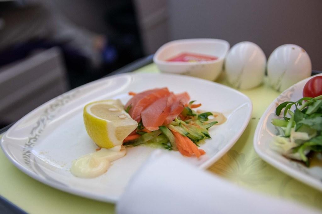Air China Boeing 787 Business Class Service und Essen Trinken-3