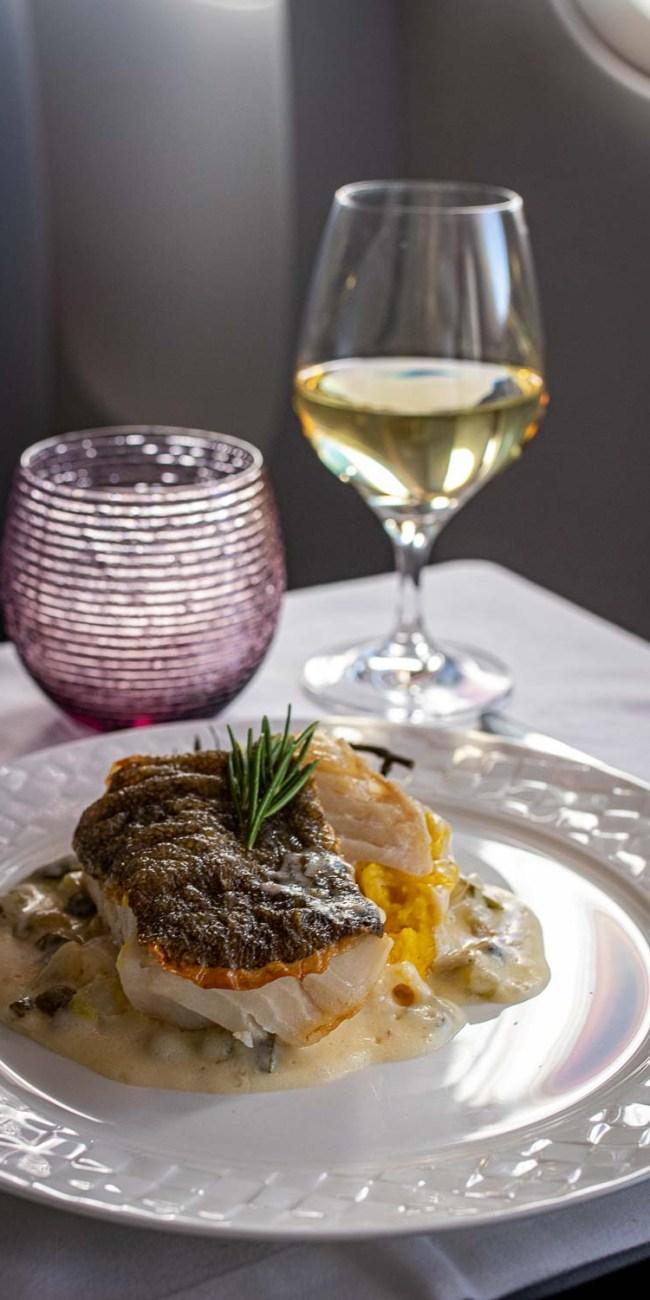Qatar Airways Business Class Service Annehmlichkeiten Drinks Diner The Travel Happiness-4