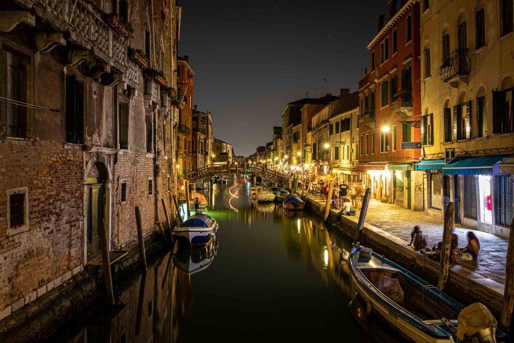Venedig Sehenswürdigkeiten Venedig bei Nacht Cannaregio Restaurants Cafes The Travel Happiness-2