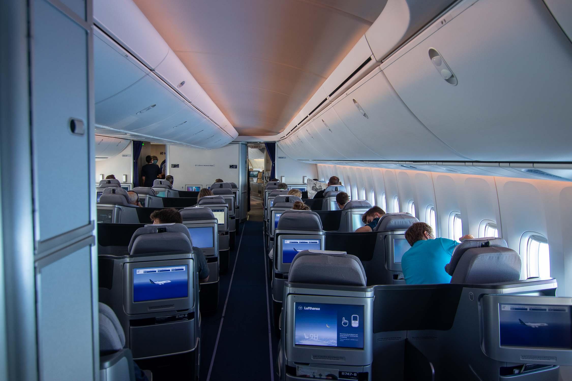 Lufthansa Boeing 747-8 Business Class Maindeck