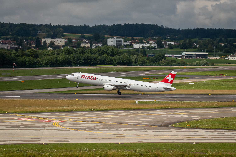 Swiss Airbus A321 HB-IOH