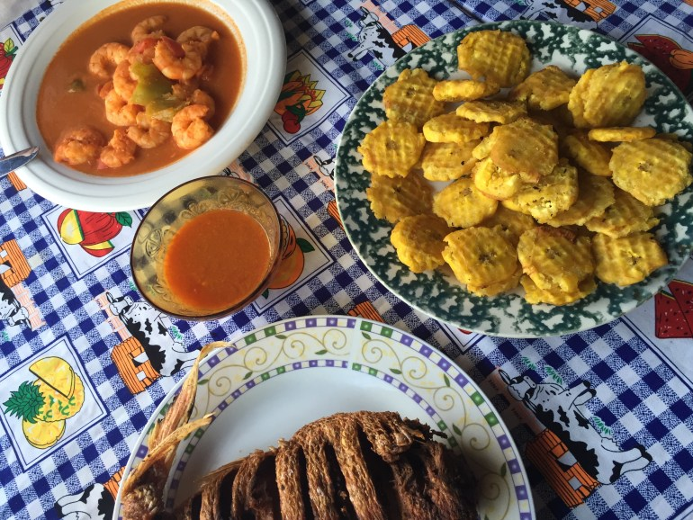 Fried fish, shrimp and tostones