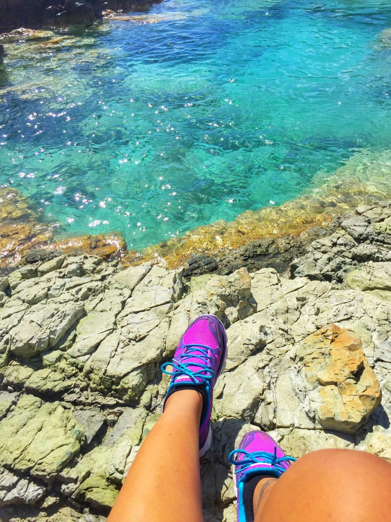 Hike to St. Maarten's natural pool