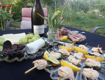 Sauvignon Blanc Dances with Zesty Summer Spreads