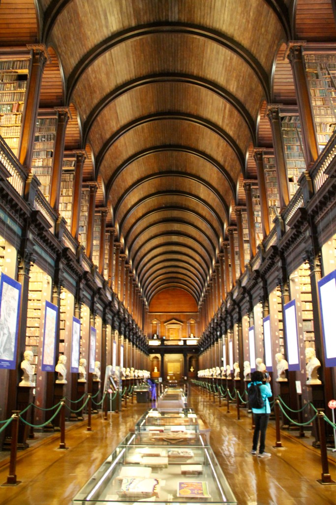 17 Reasons to Visit Ireland - The Traveling Storygirl