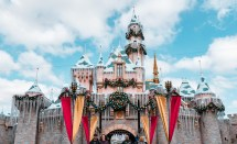 Ultimate Disneyland California Guide Tourists In 1