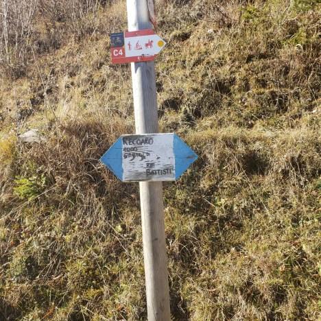 Trail Sign, Trailhead sign, Sentiero Dei Grandi Alberi, Path of the Big Trees, Vicenza, Italy