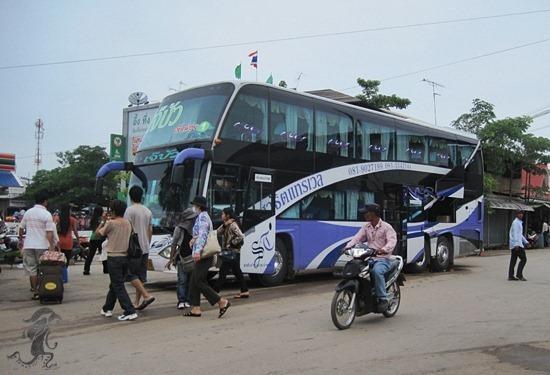 bus at lumphini park going to aranyaprathet