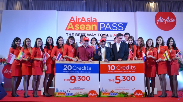 AirAsia Officials with CEO Tony Fernandez