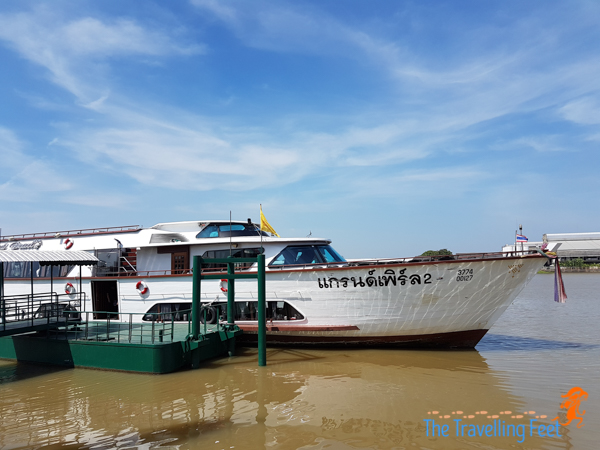 boat for the ayuthaya river cruise