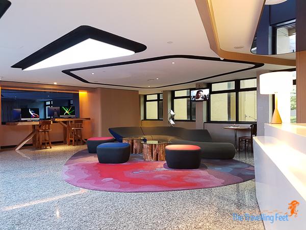 holiday inn express kuala lumpur lobby