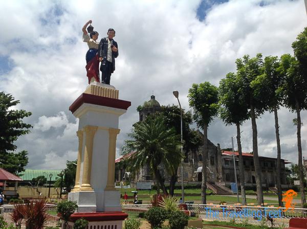 rizal statue in magdalena laguna