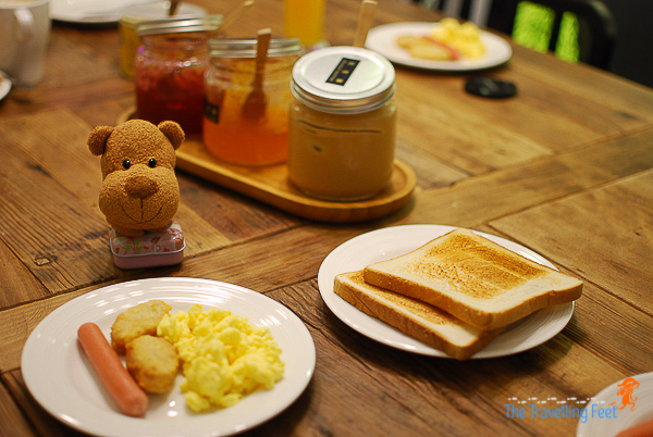 breakfast at we come hostel taipei