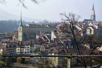 Switzerland isn't all about the mountains. The UNESCO World Heritage capital city of Bern has many fun and fabulous attractions for travelling families. (via thetravellingmom.ca)