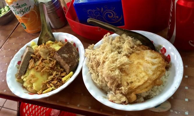 Hanoi street food xoi