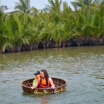 Hoi An basket boat rowing sinking