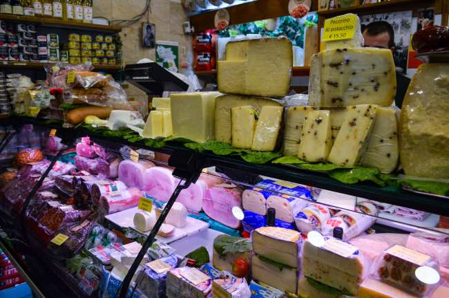 Palermo street food tour with Streaty - Cheese shop
