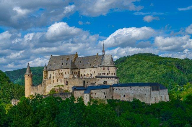 Luxembourg road trip - Castle in Vianden, Luxembourg