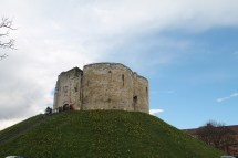 yorkCliffords tower (3)