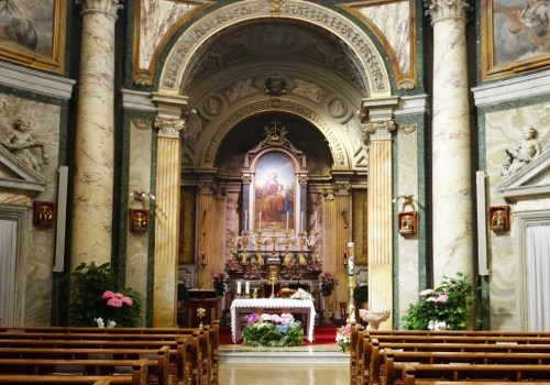 Attend English Mass in the Vatican | Rome | Vatican City | The Travel Medley