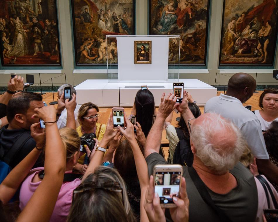 Mona Lisa, Tourist Crowds, The Trodden Path