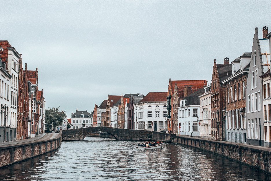 Wandering the canals during 24 hours in Bruges