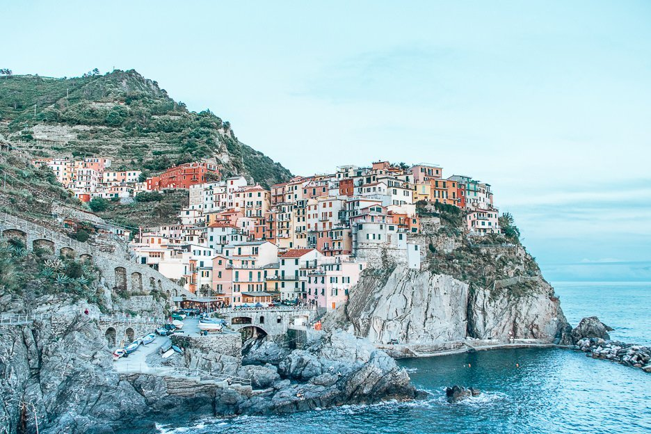 Looking across the bay up towards the houses of Manarola, Cinque Terre