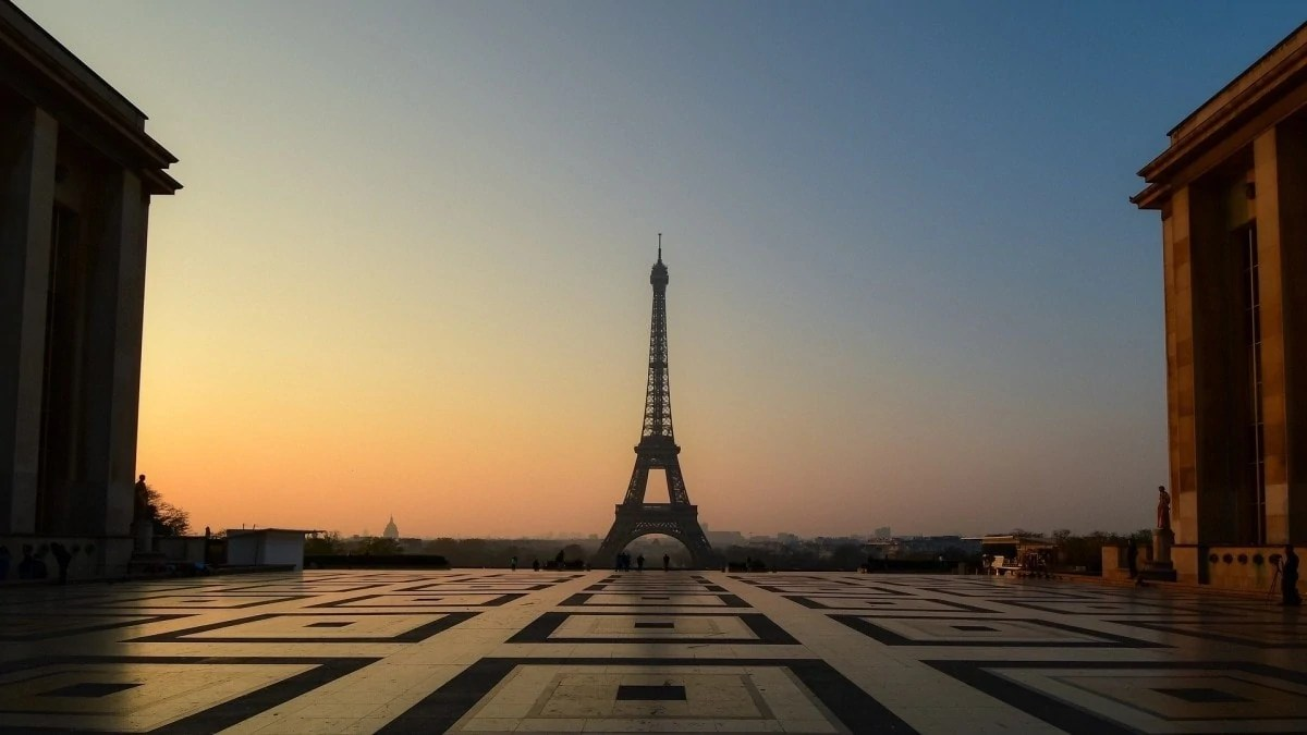 The view from the Jardins de Trocadero