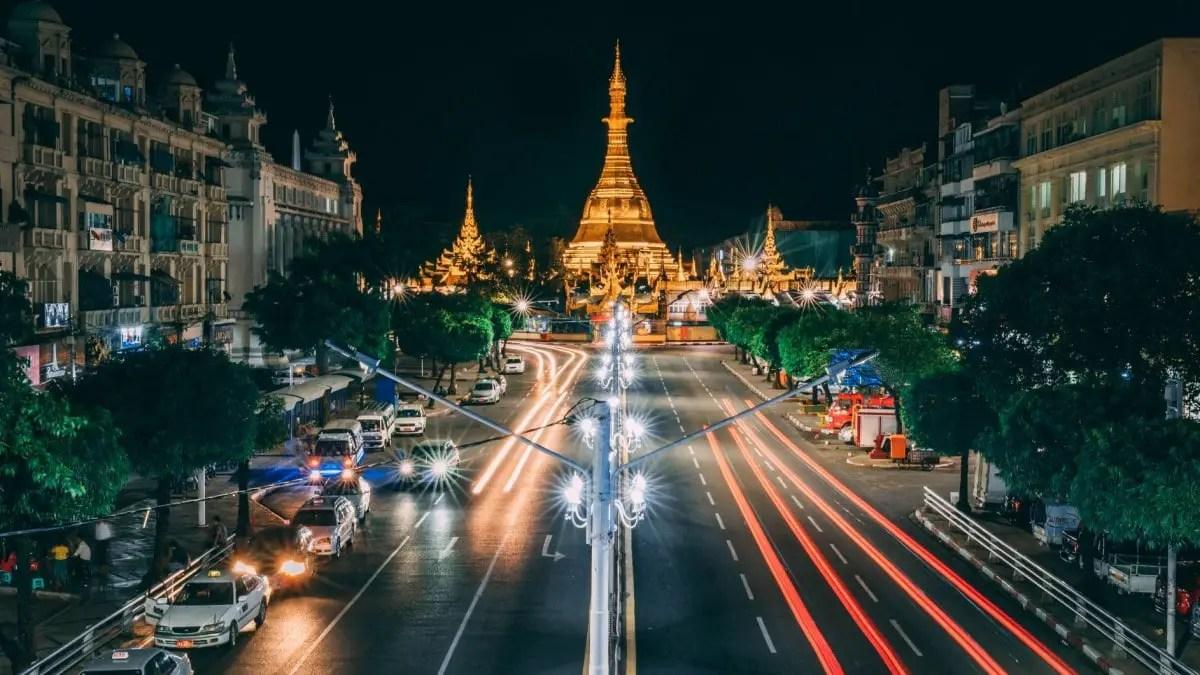 Sule Pagoda - near the street art in Yangon
