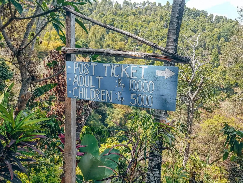 Munduk Waterfalls - entrance fee