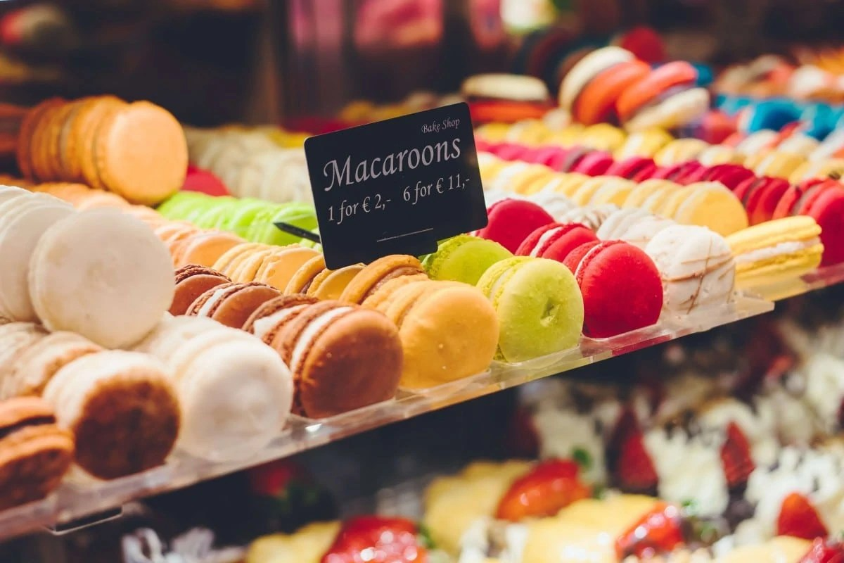 Unique gifts from Paris - macaroons