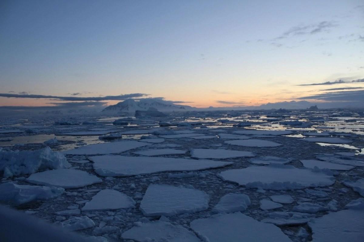 Books about wanderlust - Antartica