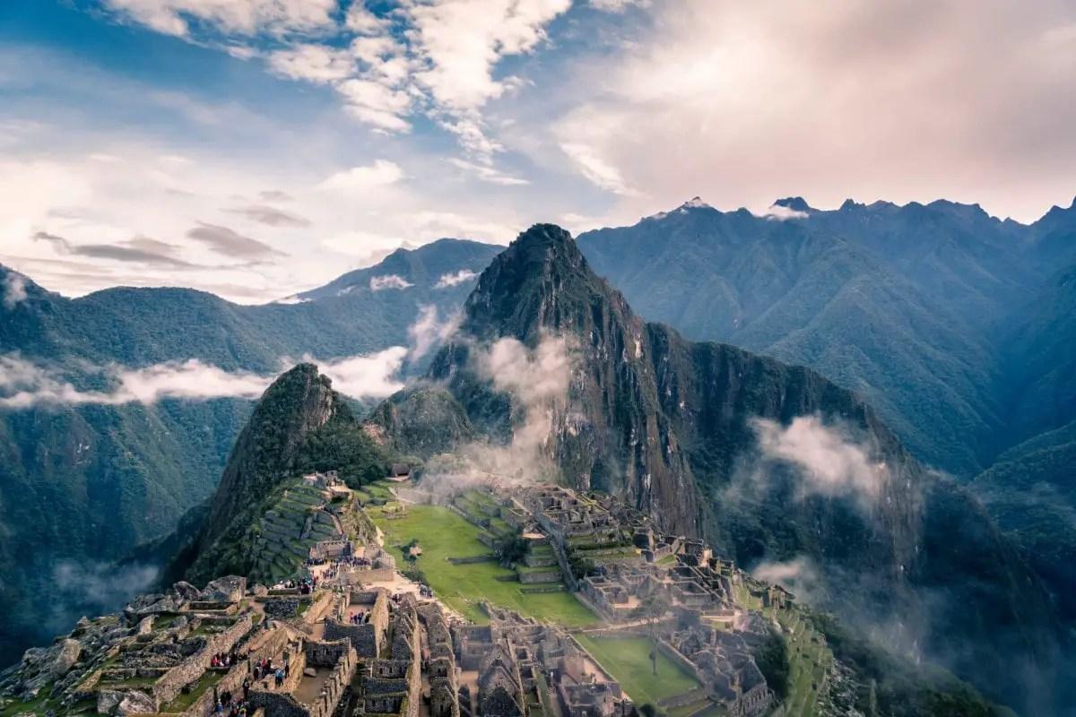 Books about wanderlust - Machu Picchu Peru
