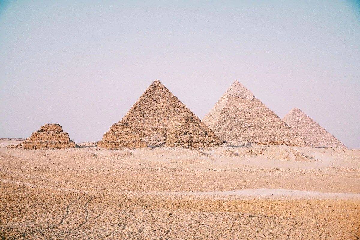 Books about wanderlust - Pyramids Egypt
