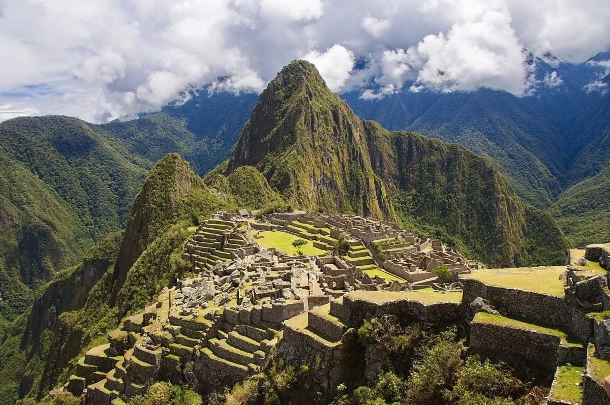 Famous Landmarks around the world - Machu Picchu Peru