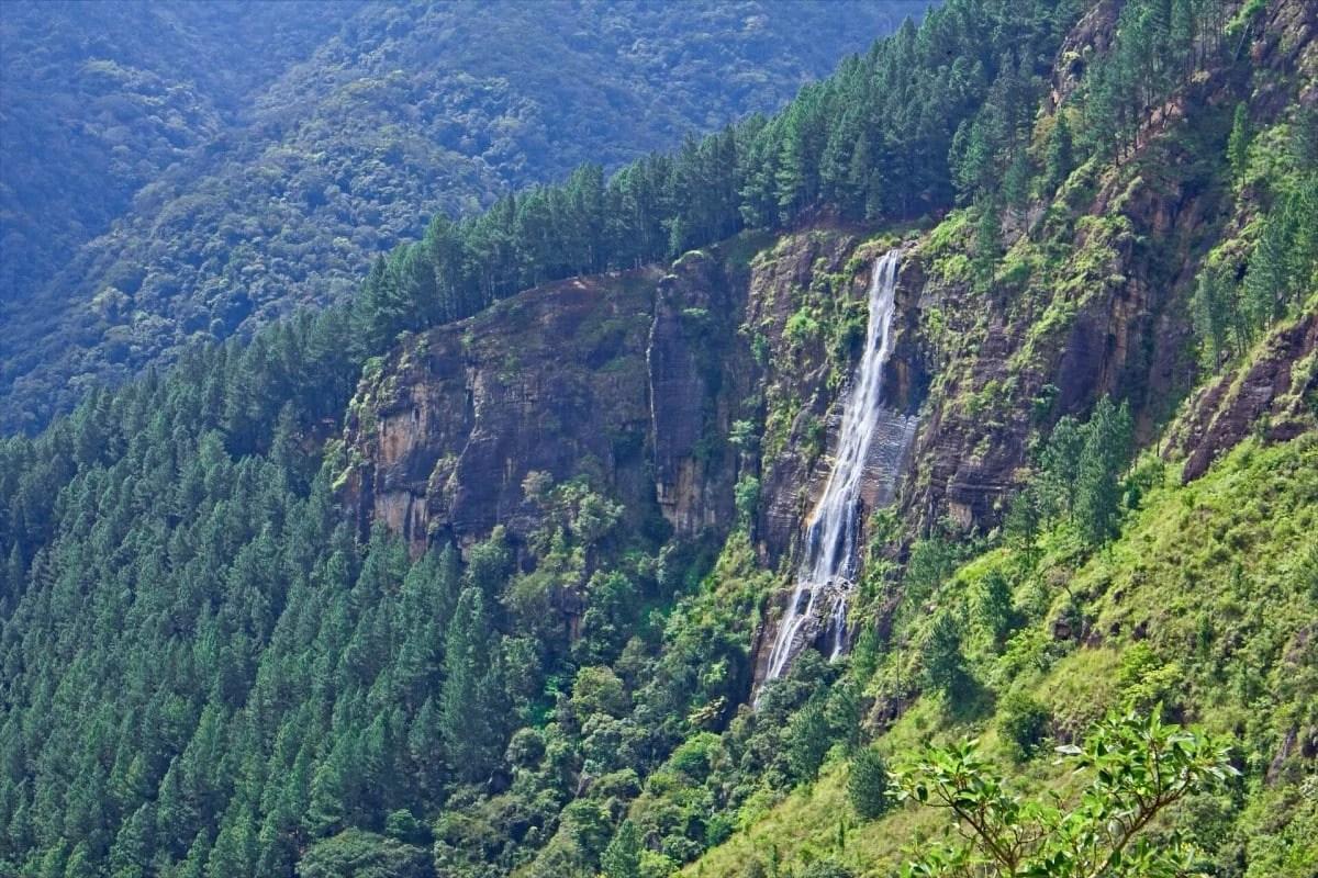 Sri Lanka famous landmarks - tallest falls, Bambarakanda Waterfall